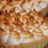 Lemon-meringue pie